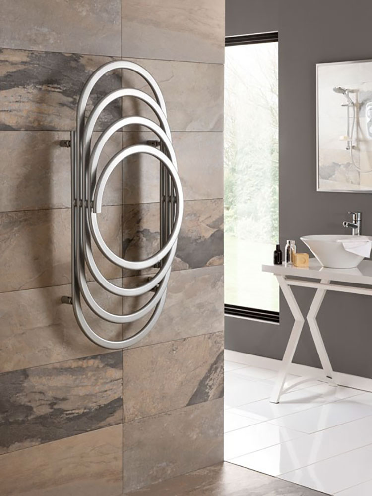 Termoarredo bagno dal design moderno n.46