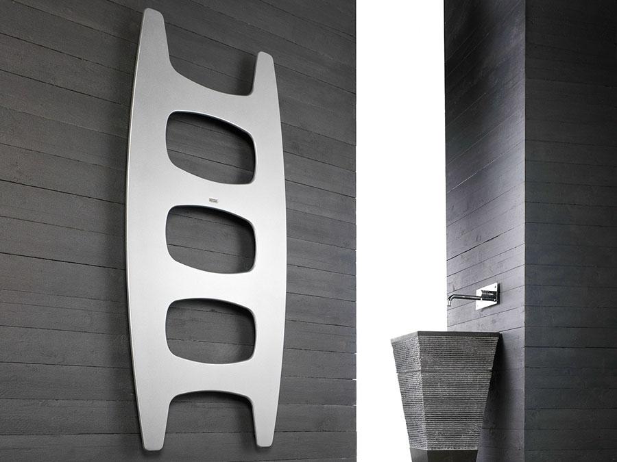Termoarredo bagno dal design moderno n.54