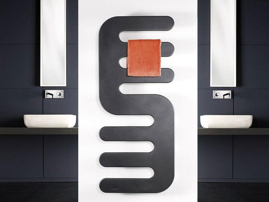 Termoarredo bagno dal design moderno n.55