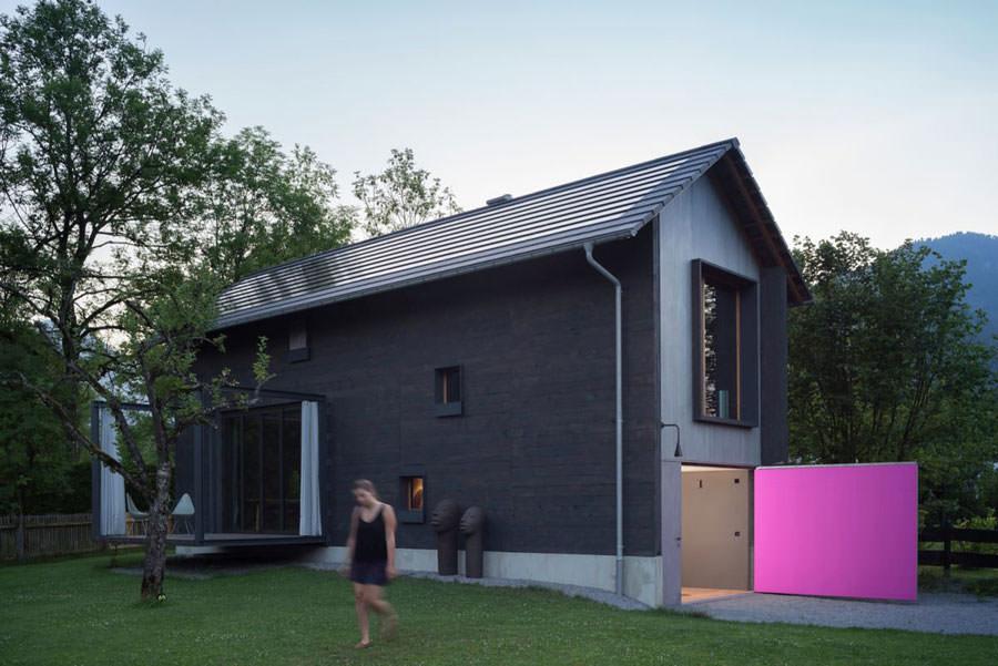 Retro della casa in legno in Baviera