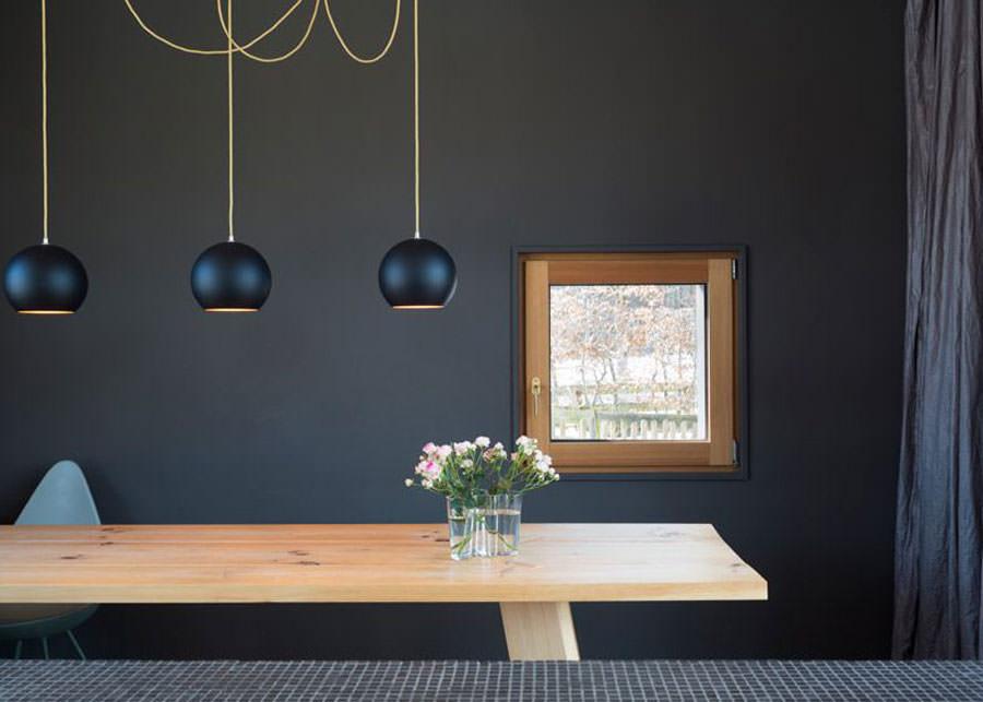 Sala da pranzo della casa in legno in Baviera