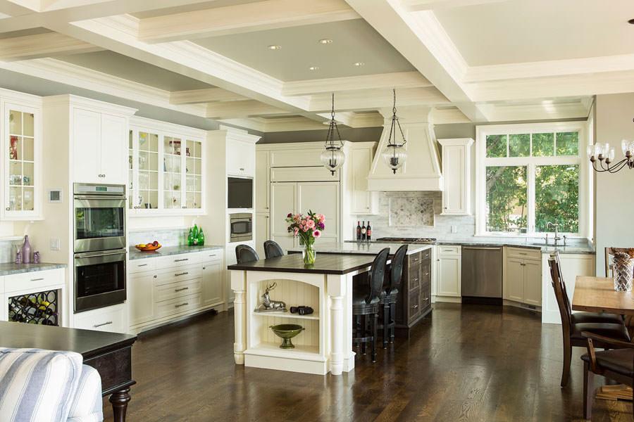 20 modelli di cucine open space per grandi spazi for Cucina open space con pilastri