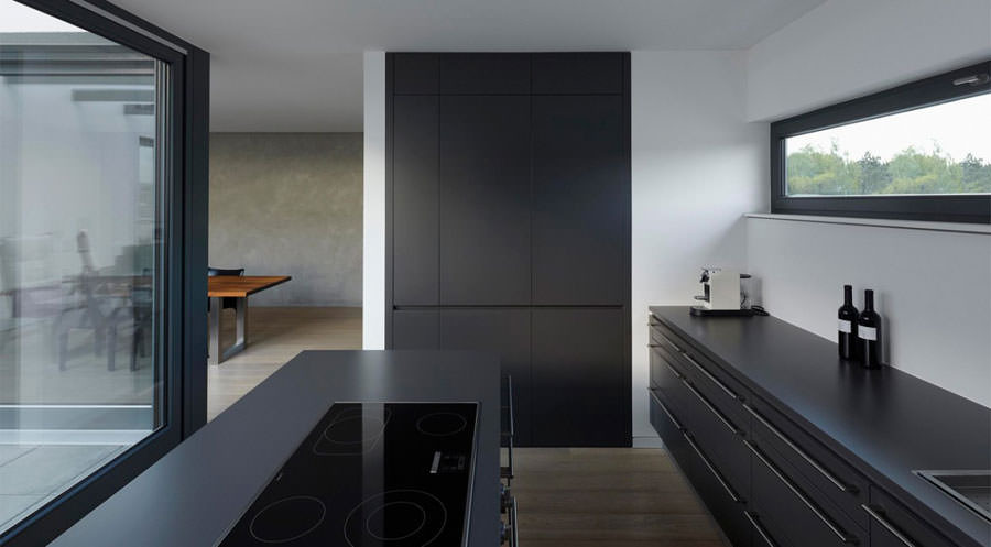 20 foto di cucine moderne alle quali ispirarsi. Black Bedroom Furniture Sets. Home Design Ideas