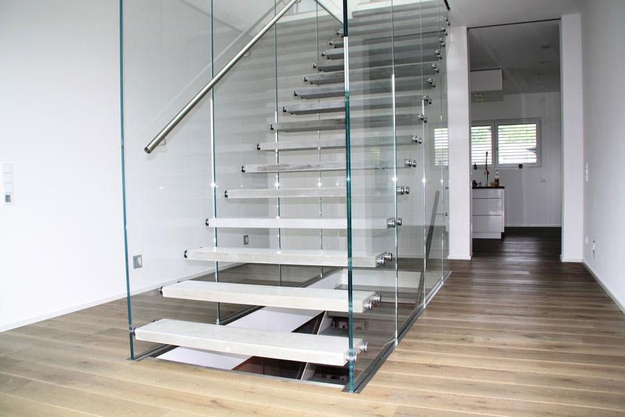 25 spettacolari esempi di scale moderne per interni for Foto di sale moderne