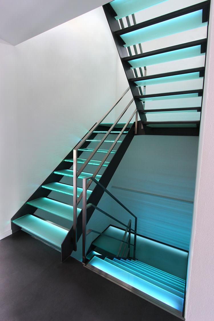 Scale da interni dal design moderno n.14