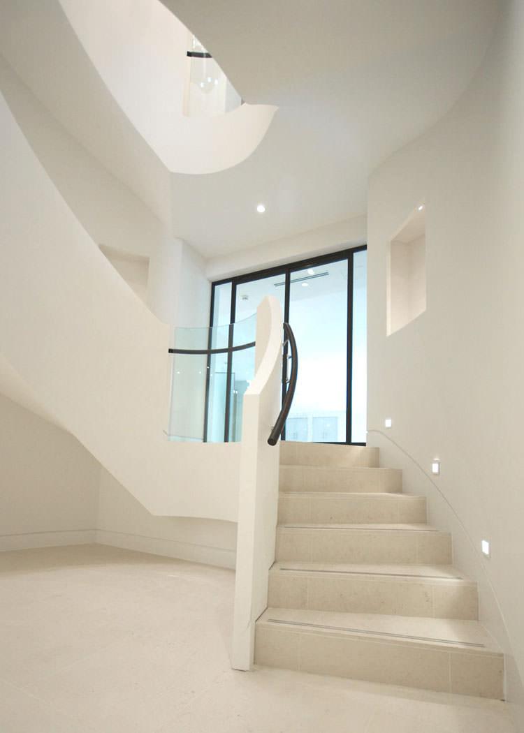 25 spettacolari esempi di scale moderne per interni for Disegni per interni