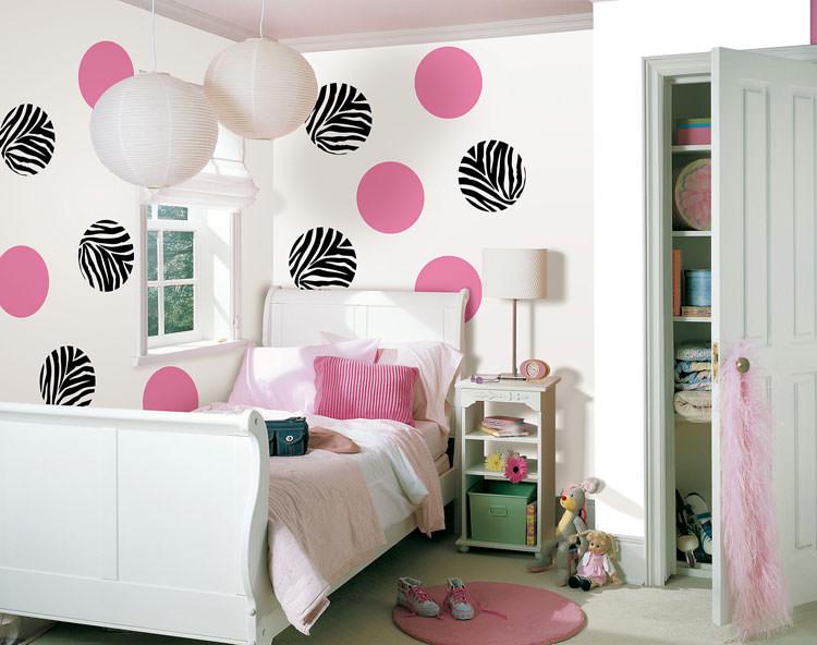 Cameretta per ragazzi con decorazioni murali n.11