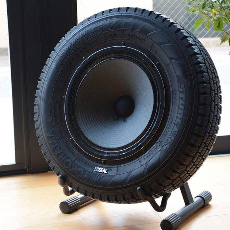 Come creare una cassa audio utilizzando uno pneumatico