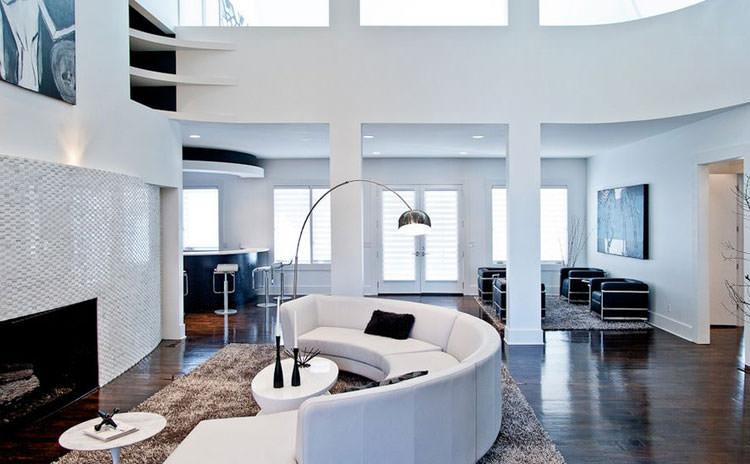 31 esempi di arredamento con divani rotondi for Esempi di arredamento