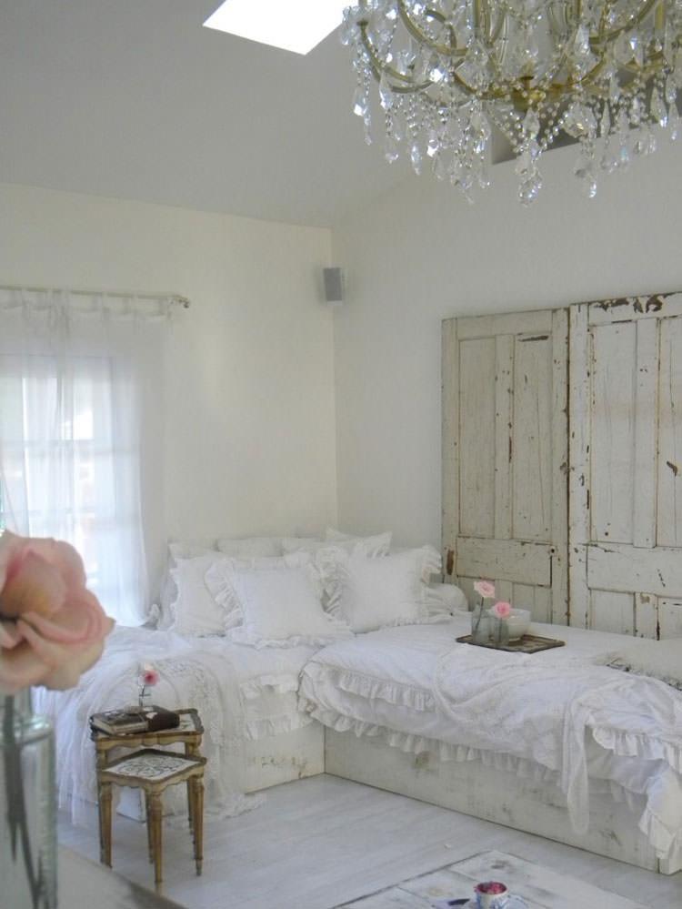 Idee per arredare il soggiorno in stile shabby chic n.10
