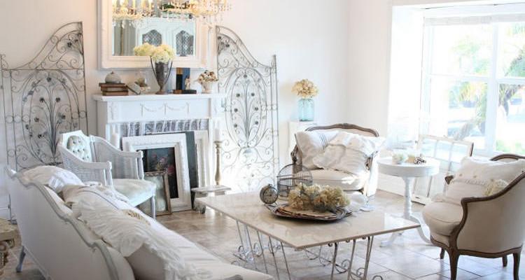 25 idee per arredare il soggiorno in stile shabby chic for Salotti shabby chic