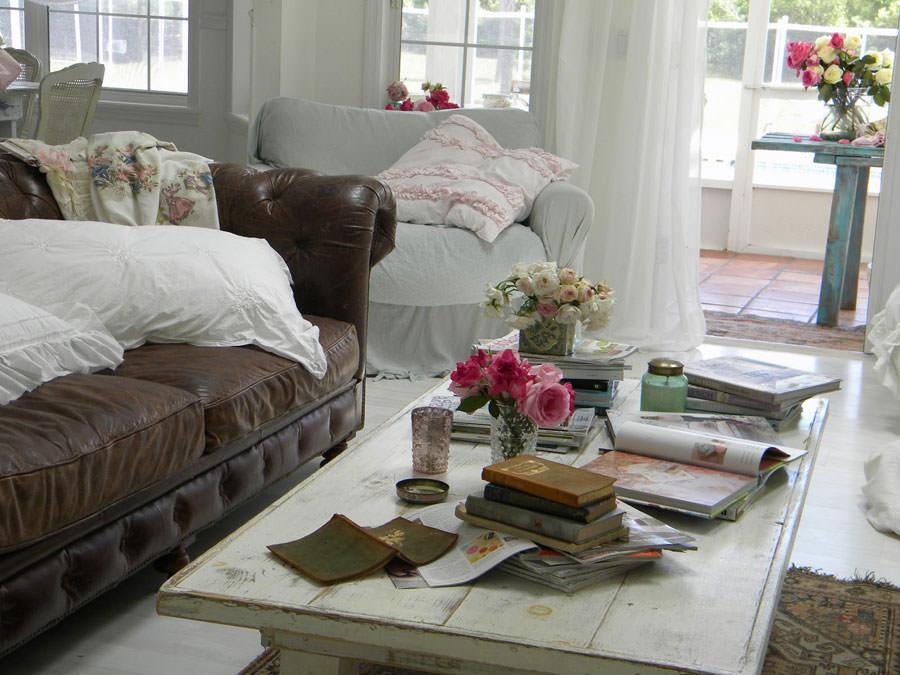 Idee per arredare il soggiorno in stile shabby chic n.17