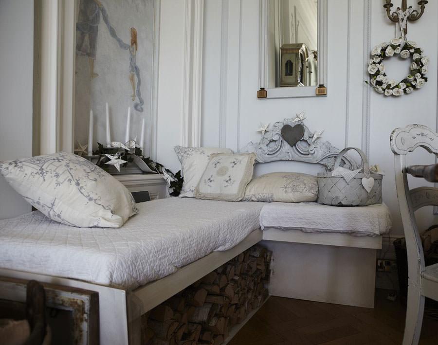 Idee per arredare il soggiorno in stile shabby chic n.20