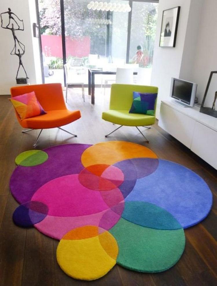 Tappeto colorato di forma circolare n.02