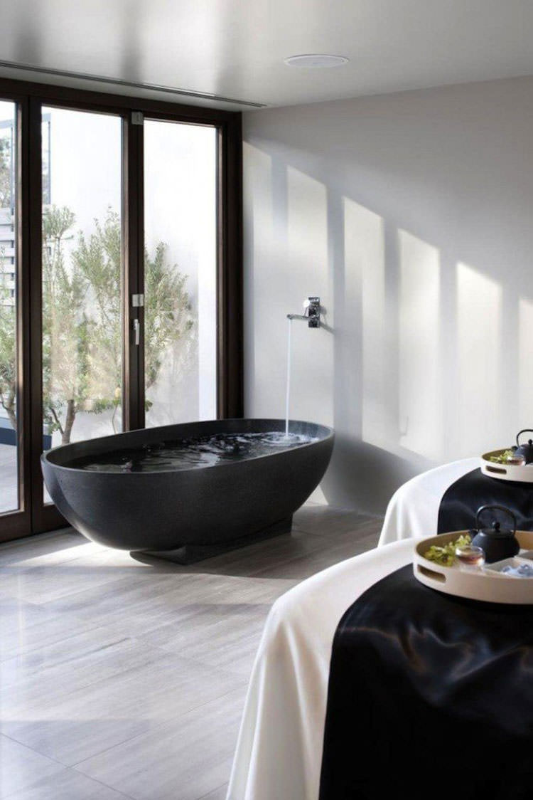 Modello di vasca da bagno nera n.12