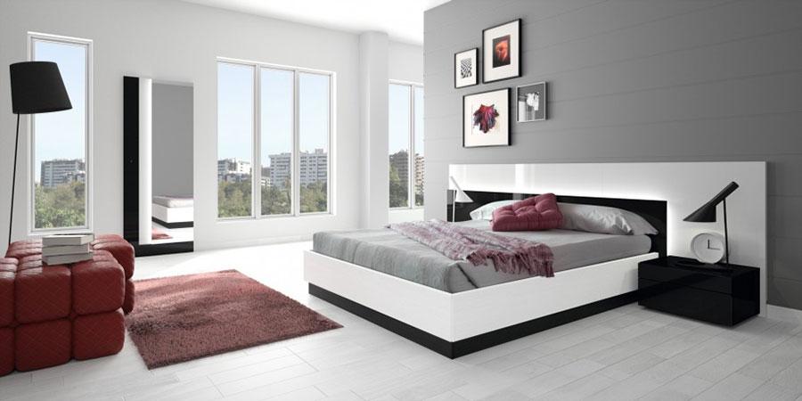 Camera da letto arredata con le tonalità rosso e grigio n.06