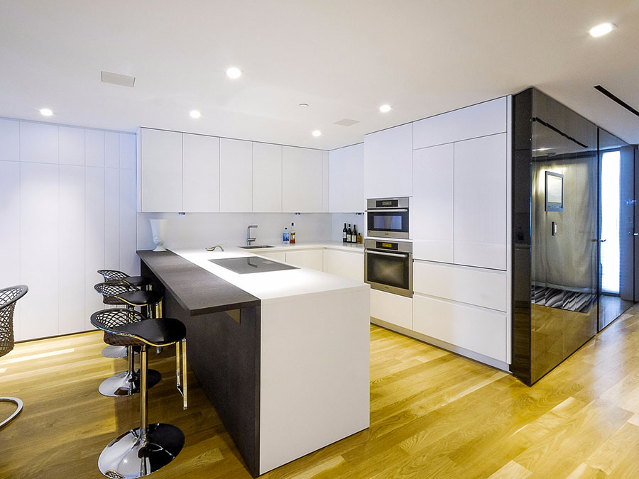 Modello di cucina a U moderna n.23