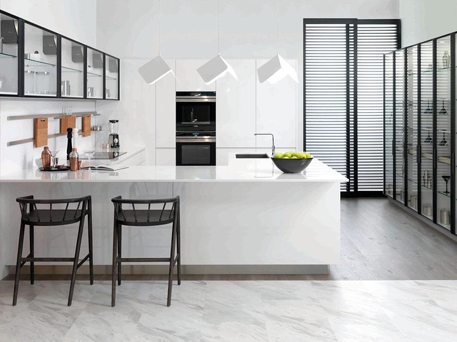 Modello di cucina a U moderna n.28