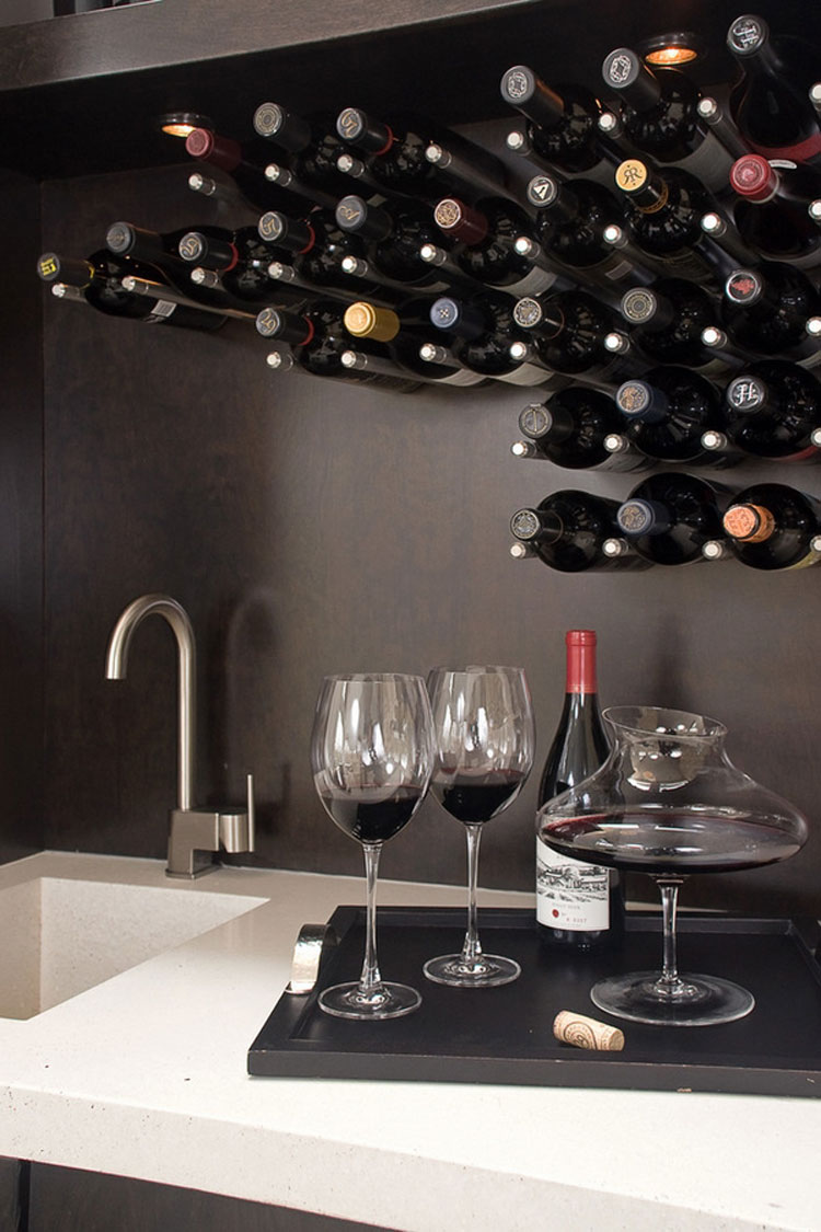 Modello di portabottiglie di vino da parete n.02