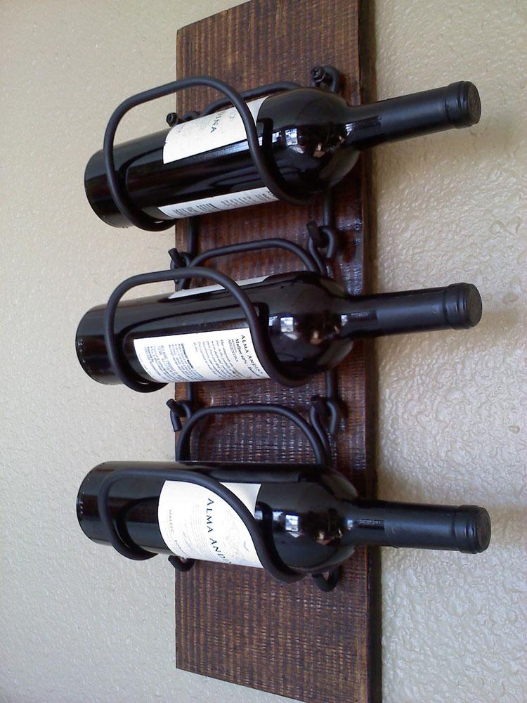 Modello di portabottiglie di vino da parete n.28
