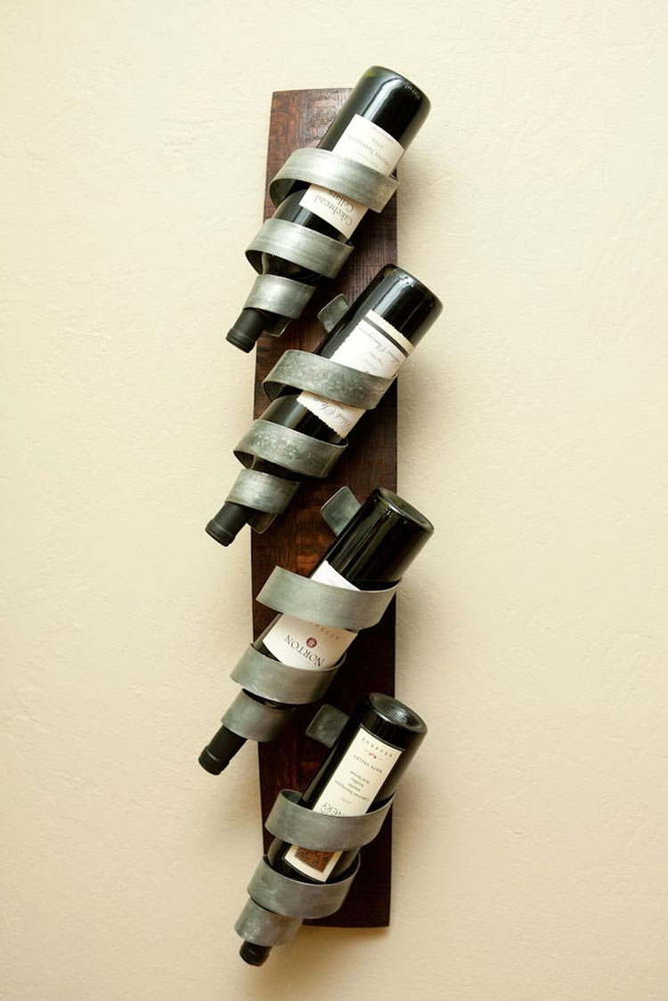 Modello di portabottiglie di vino da parete n.29