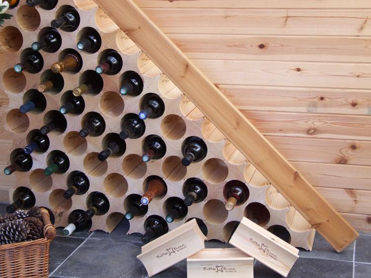 Modello di portabottiglie di vino da parete n.41
