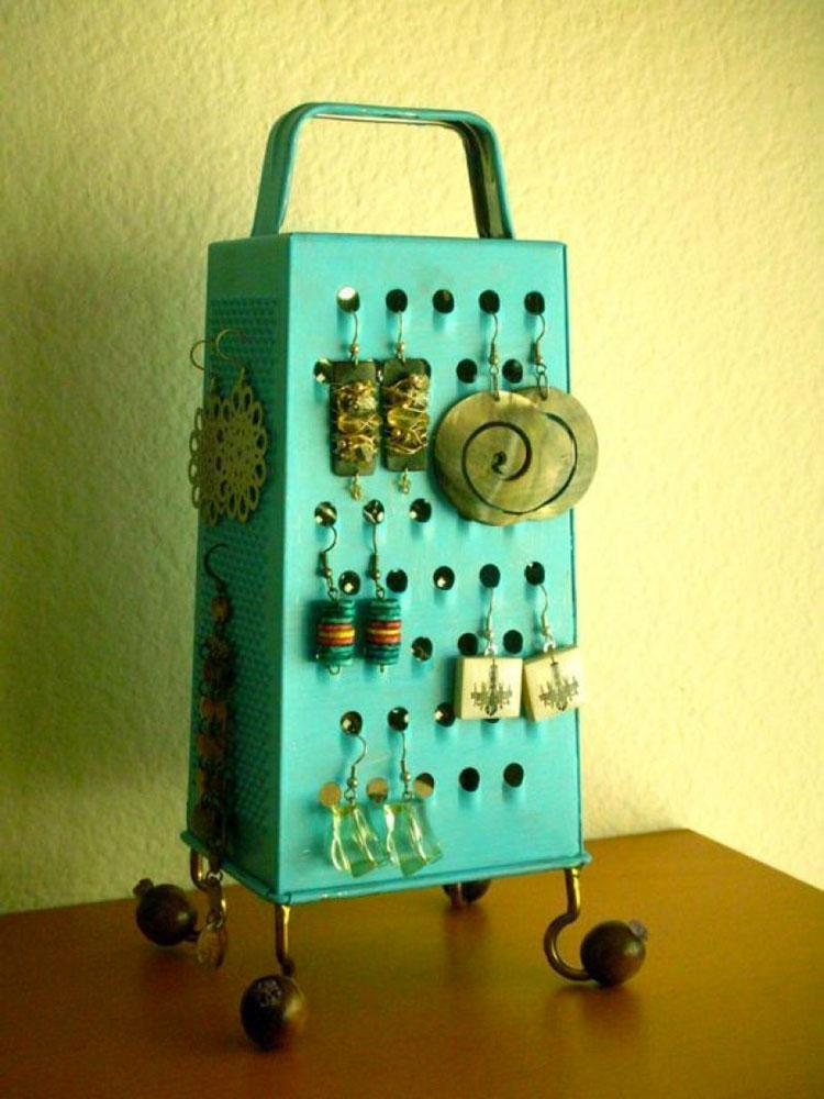 Come creare una grattugia porta orecchini