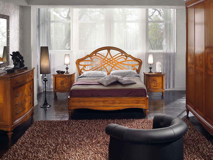 Modello di letto in legno classico n.02