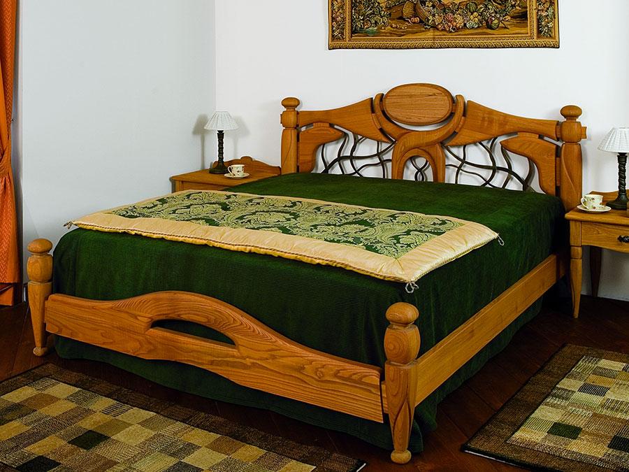 Modello di letto in legno classico n.04