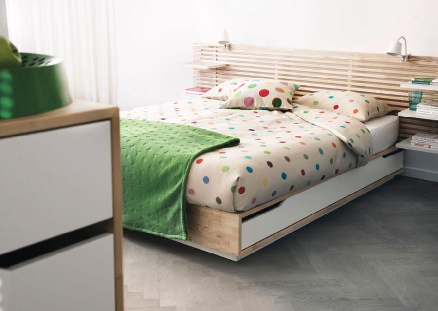 Modello di letto in legno Ikea n.02