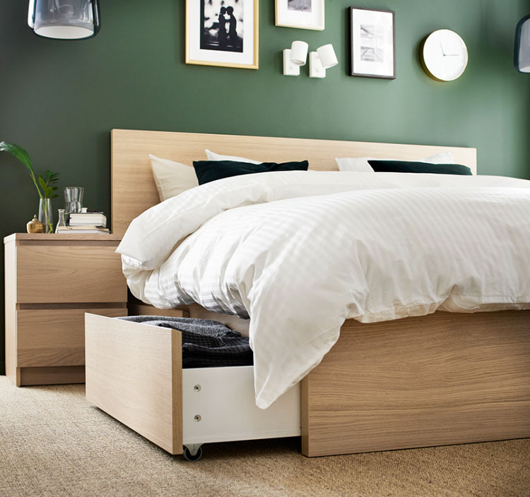 Modello di letto in legno Ikea n.03
