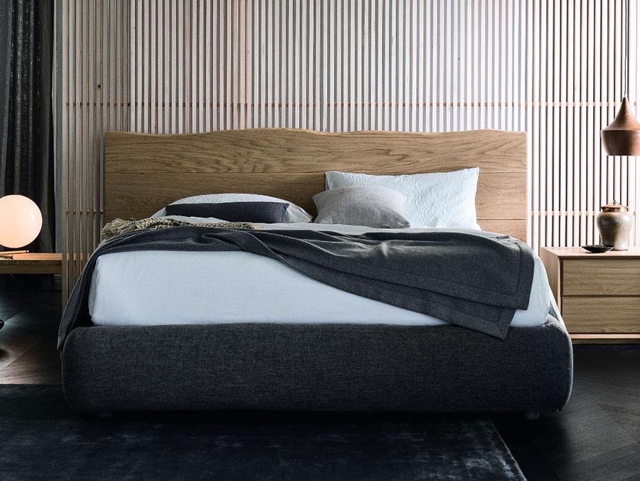 Modello di letto in legno massello n.02