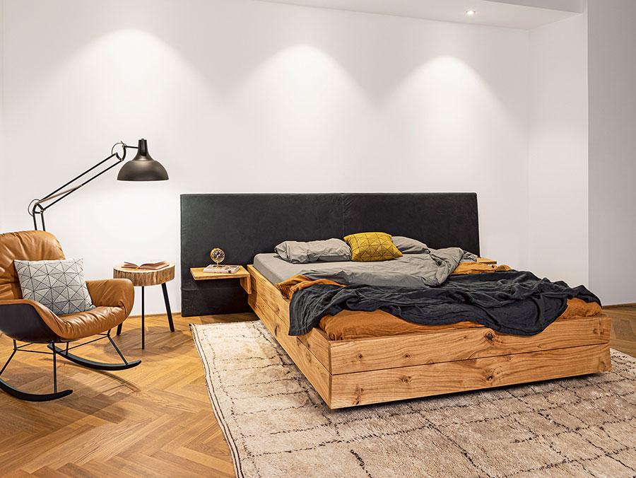 Modello di letto in legno massello n.03