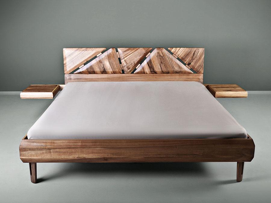 Modello di letto in legno massello n.04