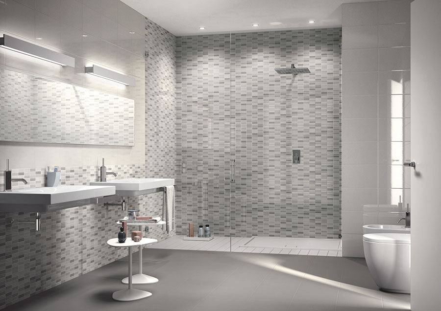 Piastrelle a mosaico per il bagno eccone 20 bellissimi - Piastrelle grigie bagno ...