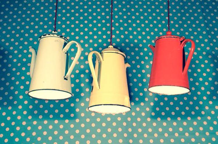 Come creare un lampadario con vecchie teiere