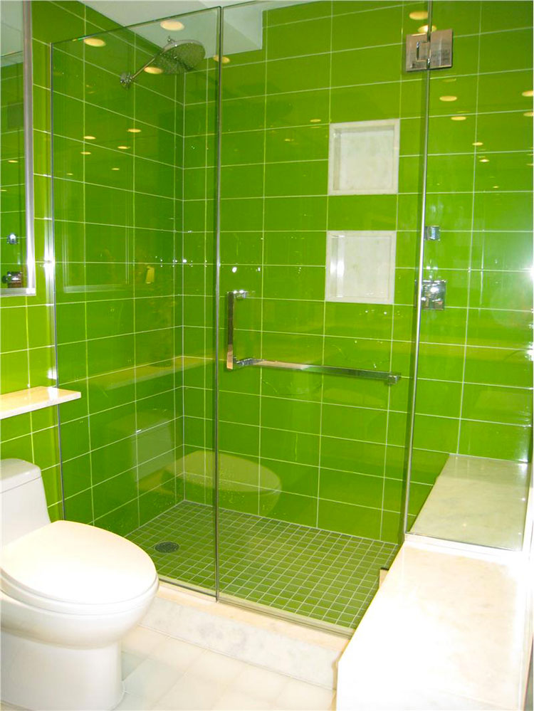 15 bagni verde lime dal design moderno for Yellow and green bathroom ideas