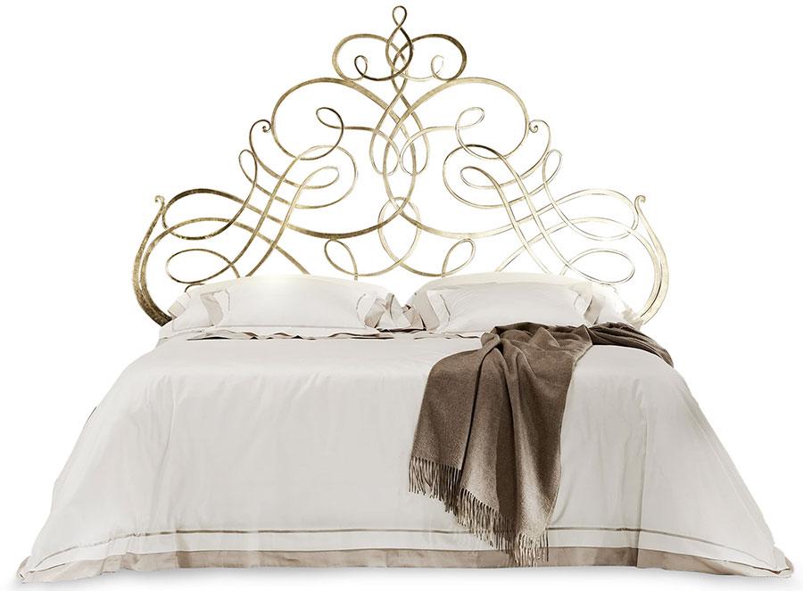 Modello di letto matrimoniale in ferro battuto di design n.22