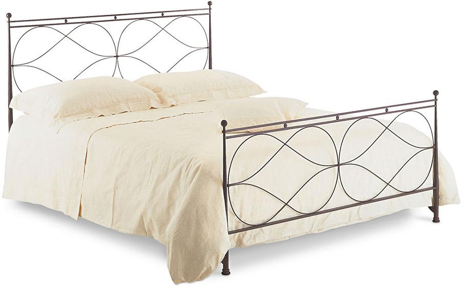 Modello di letto matrimoniale in ferro battuto di design n.24