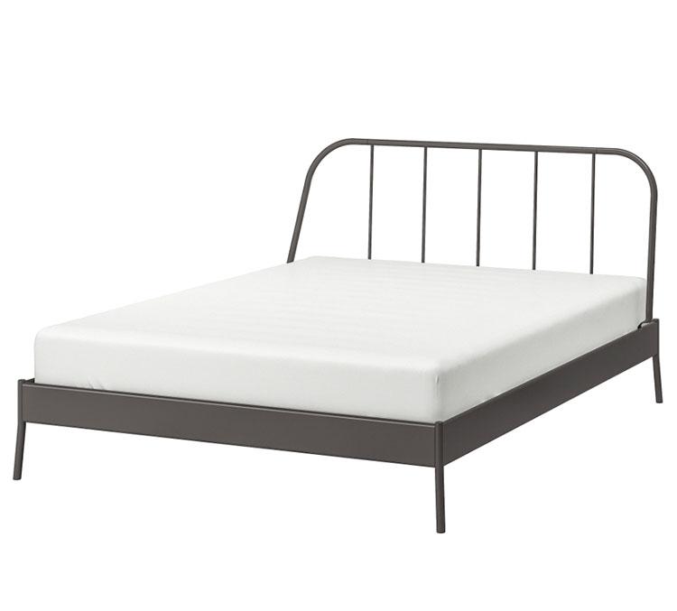 Modello di letto matrimoniale in ferro battuto Ikea n.03