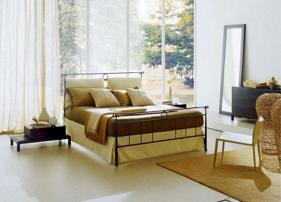 Modello di letto matrimoniale in ferro battuto moderno n.05