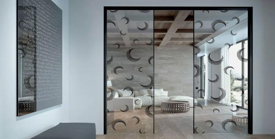 Modelli di porte scorrevoli in vetro per interni