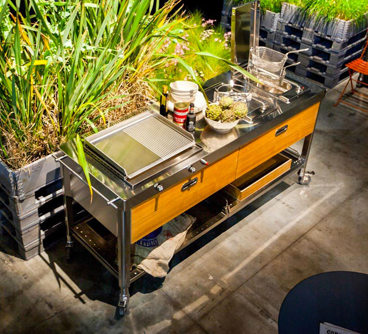 Cucina da esterno dal design moderno e funzionale n.20