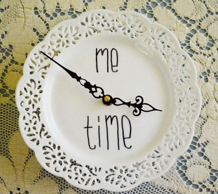 Orologio fai da te con piatto da portata