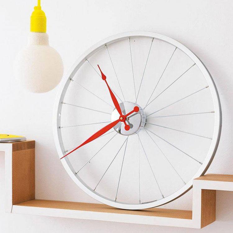 Orologio con cerchio di bicicletta