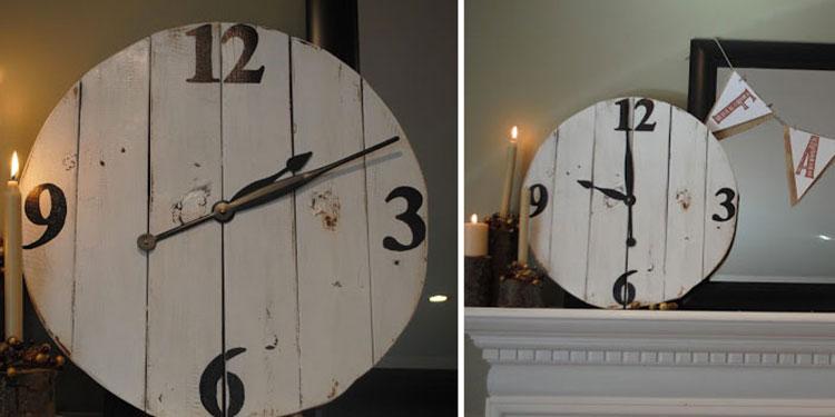 Orologio con vecchie tavole di legno