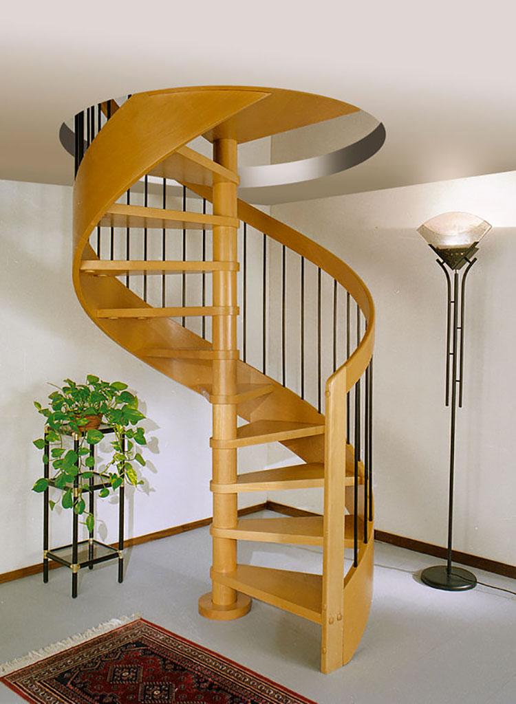 Modello di scala a chiocciola con struttura in legno n.10