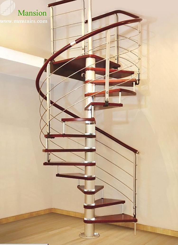 Modello di scala a chiocciola con struttura in legno n.15