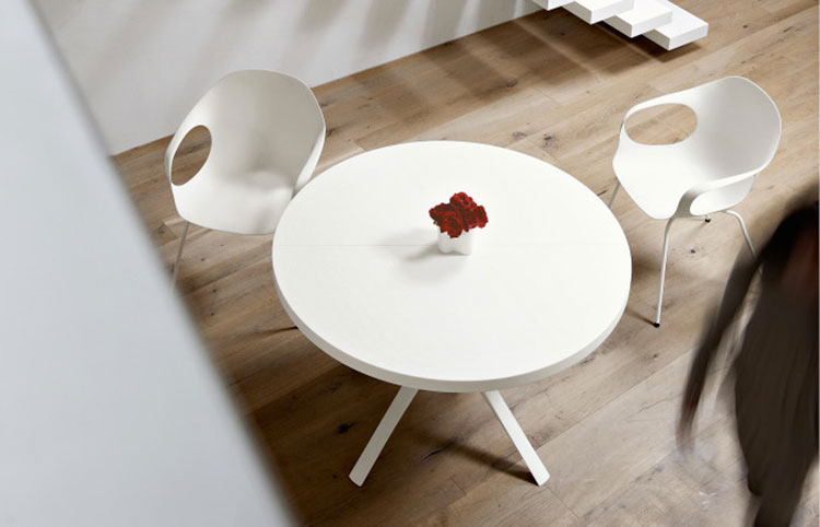 Tavoli rotondi allungabili dal design moderno for Tavolo rotondo kristalia
