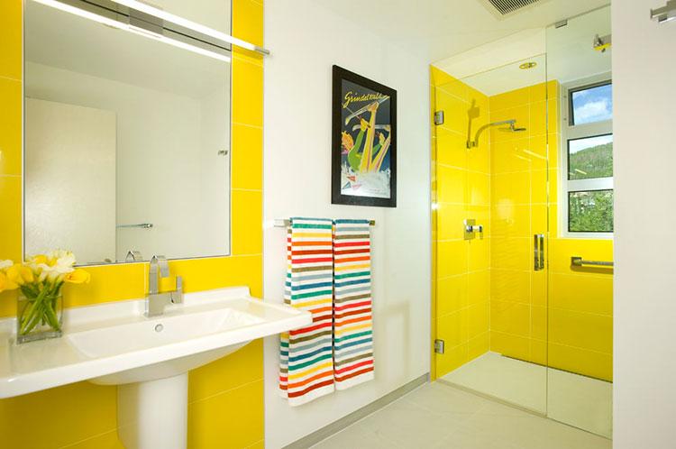 Idea per arredare un bagno giallo n.02